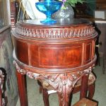 WE  PACK AND SHIP COLLECTIBLE  & ANTIQUE FURNITURE